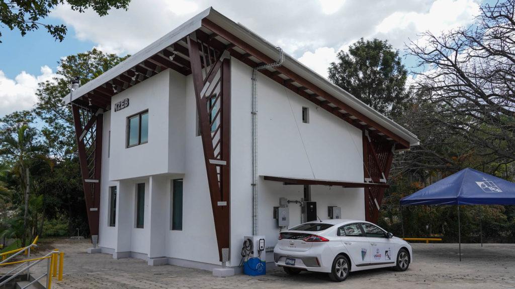 Edificio Cero Energía Neta en la UCA